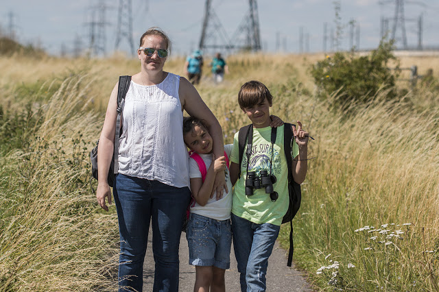Zoe, Bubs and Tubs on the paths of Rainham.