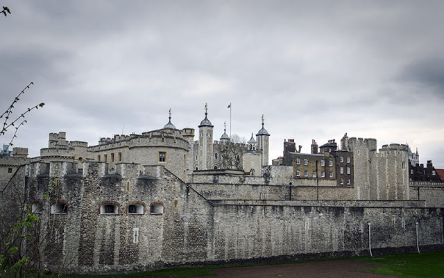 Another view of the Tower of London (How expensive is getting in to this place!!)